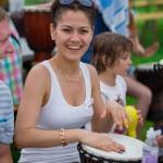 Девушки барабанят
